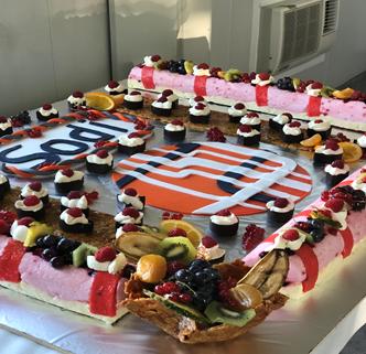 Incroyable gâteau avec le logo SODI